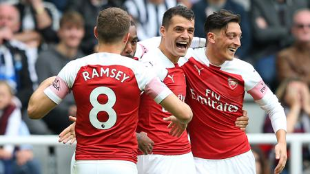 Pemain Arsenal, Granit Xhaka, ternyata bakal dibuang ke klub Bundesliga Jerman, Borussia Monchengladbach, meskipun dirinya tengah jadi incaran AC Milan. - INDOSPORT