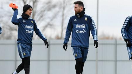 Paulo Dybala dan Lionel Messi, dua pemain bintang Timnas Argentina. - INDOSPORT