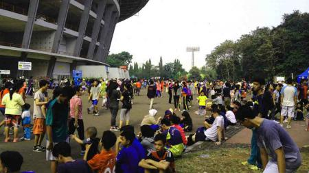 Kegiatan Car Free Day (CFD) di sekitar Stadion Utama Gelora Bung Karno. - INDOSPORT