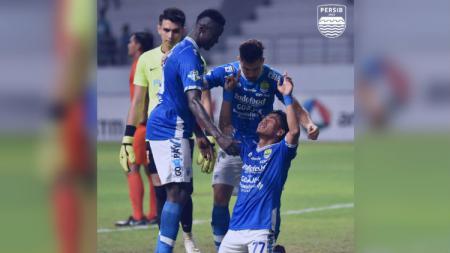Selebrasi Ghozali Siregar Usai menjebol gawang Borneo FC. - INDOSPORT