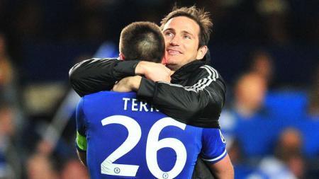 John Terry sempat membuat orang tuanya bertengkar karena menolak bergabung Manchester United dan memilih Chelsea. - INDOSPORT