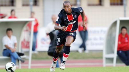 Loris Arnaud saat masih membela Paris Saint-Germain. - INDOSPORT