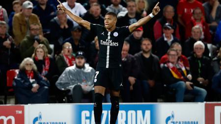 Bintang Paris Saint-Germain (PSG), Kylian Mbappe santer dirumorkan hengkang ke Real Madrid. - INDOSPORT