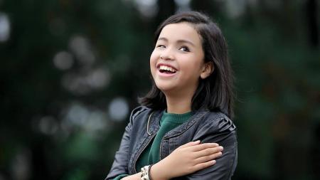 Nisma Ariani Putri, penyanyi difabel berbakat - INDOSPORT