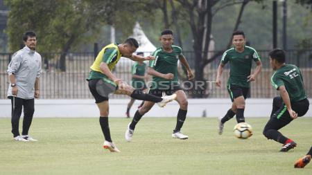 Situasi latihan pemain Timnas Indonesia U-19. - INDOSPORT