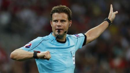 Felix Brych, wasit pemberi kartu merah ke Cristiano Ronaldo di Liga Champions 2018/19 vs Valencia. - INDOSPORT