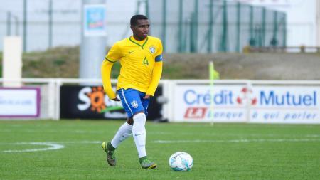 Lucas Ribeiro, bintang sepak bola Brasil - INDOSPORT