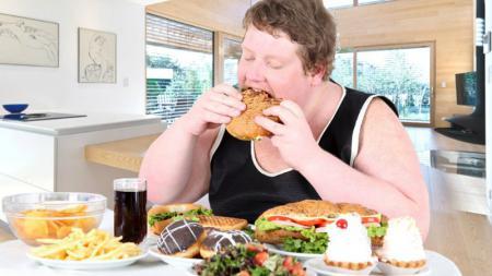 Jika ingin punya tubuh ideal, makan harus dijaga. - INDOSPORT