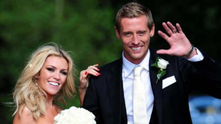 Peter Crouch dan Abbey Clancy. - INDOSPORT