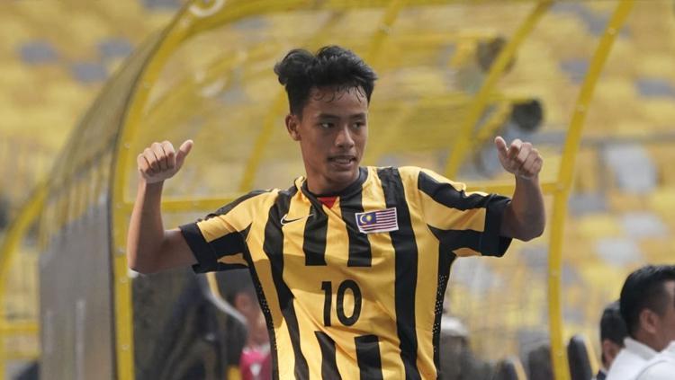 Pemain Malaysia, Luqman Hakim Shamsudin cetak 4 gol saat melawan Tajikistan. Copyright: AFC