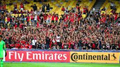 Indosport - Suporter Indonesia di Stadion Bukit Jalil dukung Timnas U-16.