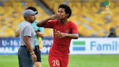 Indosport - Selebrasi Bagus Kahfi usai cetak gol ke gawang Iran.