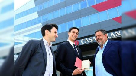 Pemegang kecil saham AC Milan Giuseppe La Scala (kanan). - INDOSPORT