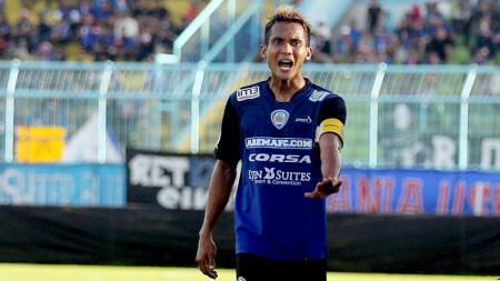 Hendro Siswanto memperpanjang daftar pemain absen Arema FC akibat menderita penyakit tifus. - INDOSPORT