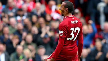 Joel Matip mendapat pujian dari legenda Arsenal, Ian Wright, usai mengantar Liverpool meraih kemenangan atas Sheffield United, Sabtu (28/09/19). - INDOSPORT