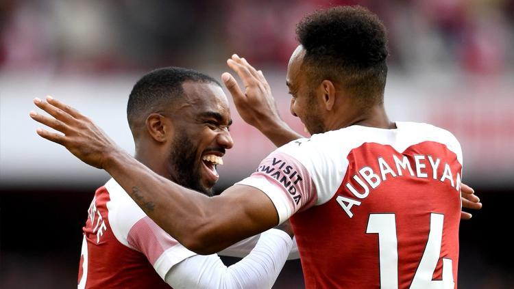 Aubameyang dan Lacazette menjadi dua pencetak gol Arsenal saat melawan Everton. Copyright: Twitter.com/Arsenal
