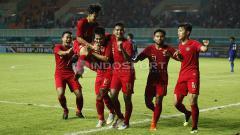 Indosport - Selebrasi para pemain Timnas Indonesia U-19.