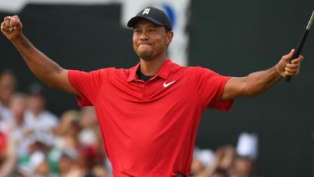 Tiger Woods memenangkan gelar pertamanya setelah lima tahun, Minggu (23/09/18). - INDOSPORT