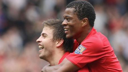 Ada andil raksasa Liga Inggris, Manchester United di balik keberhasilan Gerard Pique selaku bek Barcelona. - INDOSPORT