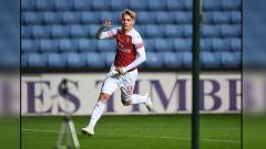 Indosport - Emile Smith Rowe jadi sorotan berkat penampilan gemilang di beberapa laga terakhir bersama Arsenal. Rupanya, ada peran Kevin de Bruyne di sana.