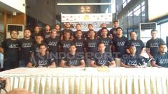 Indosport - Bambang Pamungkas, Renan Silva, Andritany Ardhyasa, dan Ramdani Lestaluhu (Persija), Purwaka Yudhi (Arema FC), Firdaus Ramadhan (Borneo FC), Aditya Harlan (Barito Putera), Indra Kahfi (Bhayangkara FC), Fadil Sausu (Bali United), lalu Abduh Lestaluhu.