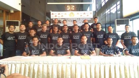 Bambang Pamungkas, Renan Silva, Andritany Ardhyasa, dan Ramdani Lestaluhu (Persija), Purwaka Yudhi (Arema FC), Firdaus Ramadhan (Borneo FC), Aditya Harlan (Barito Putera), Indra Kahfi (Bhayangkara FC), Fadil Sausu (Bali United), lalu Abduh Lestaluhu. - INDOSPORT