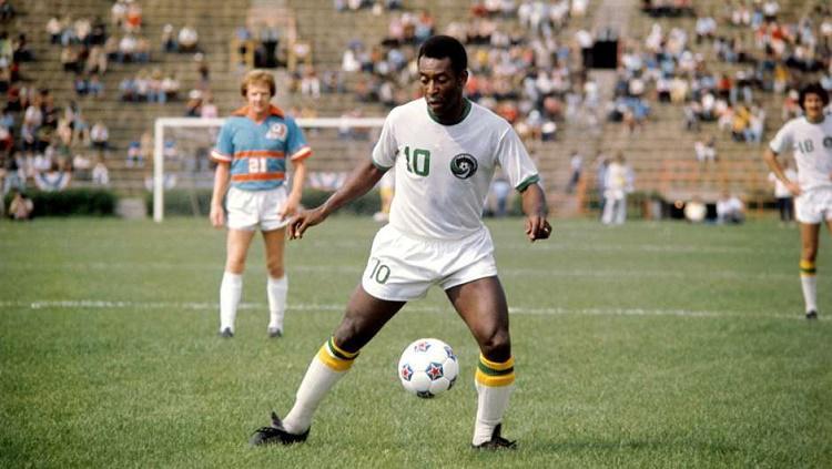 Pele menjadi legenda terhebat sepanjang masa Copyright: goal.com