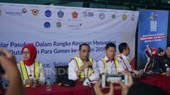 Indosport - Menteri Perhubungan Budi Karya Sumadi melakukan pengecekan fasilitas di terminal 3 Angkasa Pura II bersama Ketua INAPGOC Raja Sapta Oktohari dalam jumpa pers.