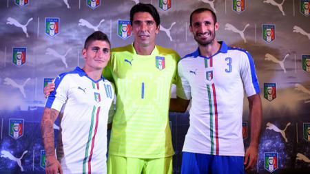 Marco Verratti, Gianluigi Buffon, dan Giorgio Chiellini di Timnas Italia. - INDOSPORT