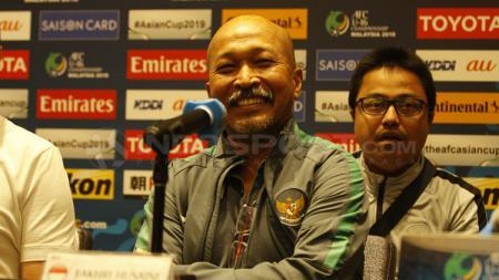 Pelatih Timnas Indonesia U-16, Fakhri Husaini. - INDOSPORT