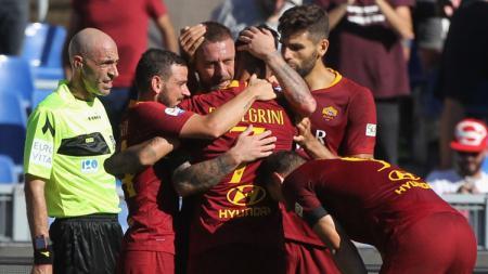 Aksi selebrasi pemain AS Roma. - INDOSPORT