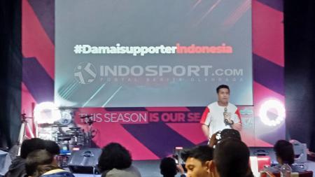Pimpinan Redaksi INDOSPORT, Abinery Hamzano turut beri himbauan untuk suporter Indonesia. - INDOSPORT