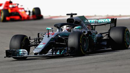 Lewis Hamilton pembalap Mercedes AMG Petronas. - INDOSPORT