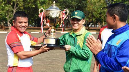 Kontingen TNI AD Juara Umum Pertandingan Piala Panglima TNI Tahun 2018. - INDOSPORT