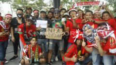 Indosport - Suporter Bonek Mania di Malaysia.