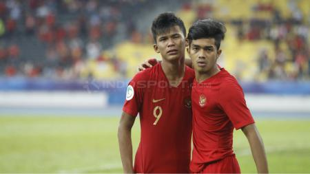 Sutan Zico dan Amanar tampak lesu usai laga Timnas Indonesia U-16 vs Australia di Piala Asia U-16 2018. - INDOSPORT