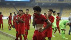 Indosport - Tangis haru pemain Garuda Asia usai dikalahkan Australia.