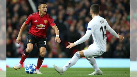 Inter Milan bersedia tampung Alexis Sanchez dari Manchester United jika pemain asal Chile tersebut mau memangkas gaji yang ia terima selama membela Setan Merah - INDOSPORT