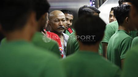 Fakhri Husaini, dan para pemain Timnas Indonesia U-16 di kemenpora. - INDOSPORT