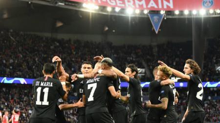 Kylian Mbappe dan kolega merayakan selebrasi gol di laga Liga Champions antara PSG vs Red Star. - INDOSPORT