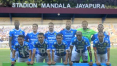 Skuat Persib Bandung di Stadion Mandala. - INDOSPORT
