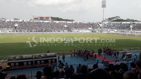 Suasana Stadion Kanjuruhan. - INDOSPORT