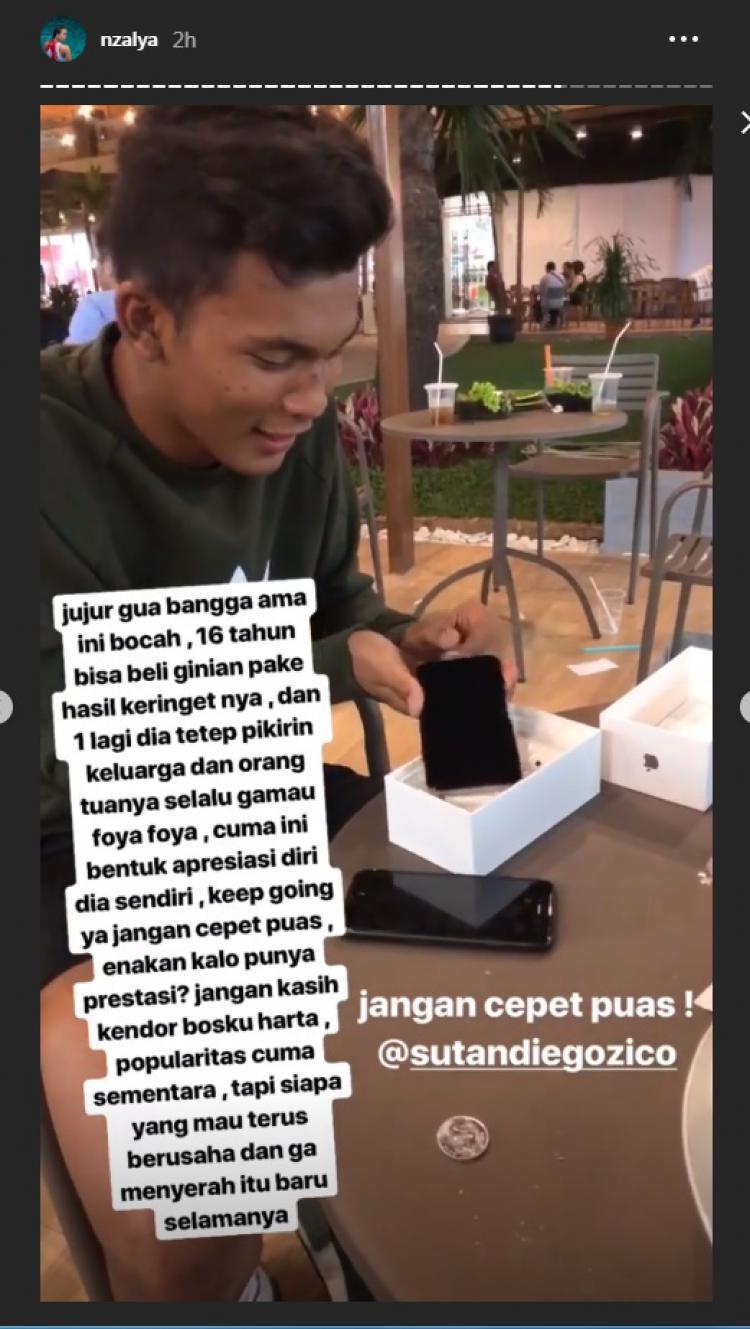 Kemandirian Sutan Zico mencuri perhatian sahabatnya yang juga seorang atlet polo air nasional, Alya Nadira. Copyright: instagram