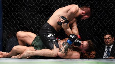 Conor McGregor dan Khabib Nurmagomedov dikenal sebagai salah satu rivalitas terbesar di dunia MMA. - INDOSPORT