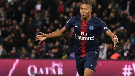 Selebrasi Mbappe usai mencetak gol pada pertandingan Ligue 1 Prancis - INDOSPORT