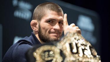 Petarung UFC asal Rusia, Khabib Nurmagomedov, kembali terlibat perselisihan di Twitter dengan menyindir rivalnya yaitu Conor McGregor. - INDOSPORT