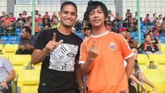 Indosport - Rian Ekky bersama Renan Silva di laga Persija vs Perseru.