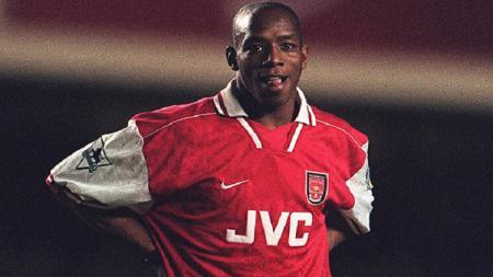 Tak lagi merumput, Ian Wright kini mengkritik eks pelatih klub Liga Inggris Arsenal Unai emery 'halu'. - INDOSPORT