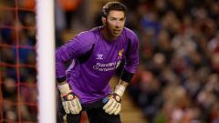 Indosport - Kiper asal Australia, Brad Jones, saat masih membela Liverpool.