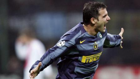 Dejan Stankovic resmi menjadi pelatih baru Red Star Belgrade pada Senin (23/12/19) usai meninggalkan Inter Milan beberapa hari yang lalu. - INDOSPORT